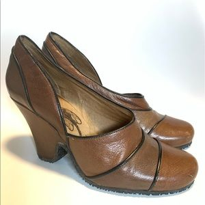Fly Girl heels size 39 vintage style brown
